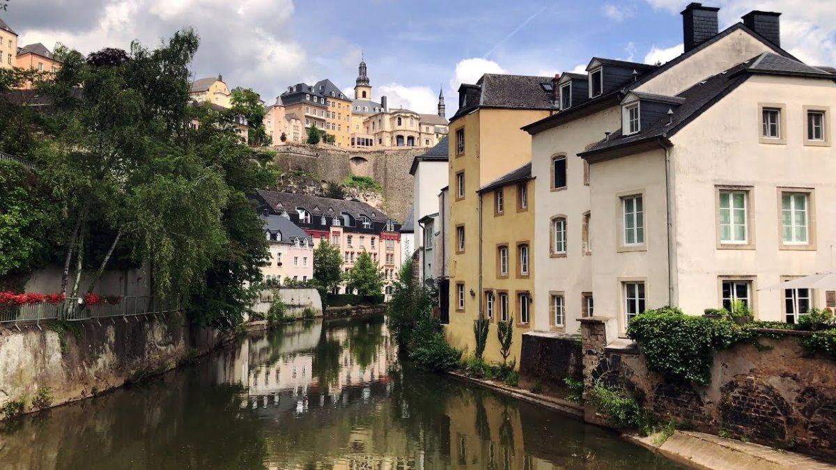 Λουξεμβούργο γραφική πόλη με παραδοσιακά σπίτια