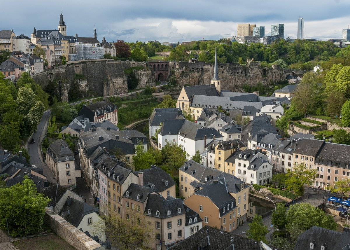 Λουξεμβούργο κουκλίστικη χώρα μέσα στο πράσινο