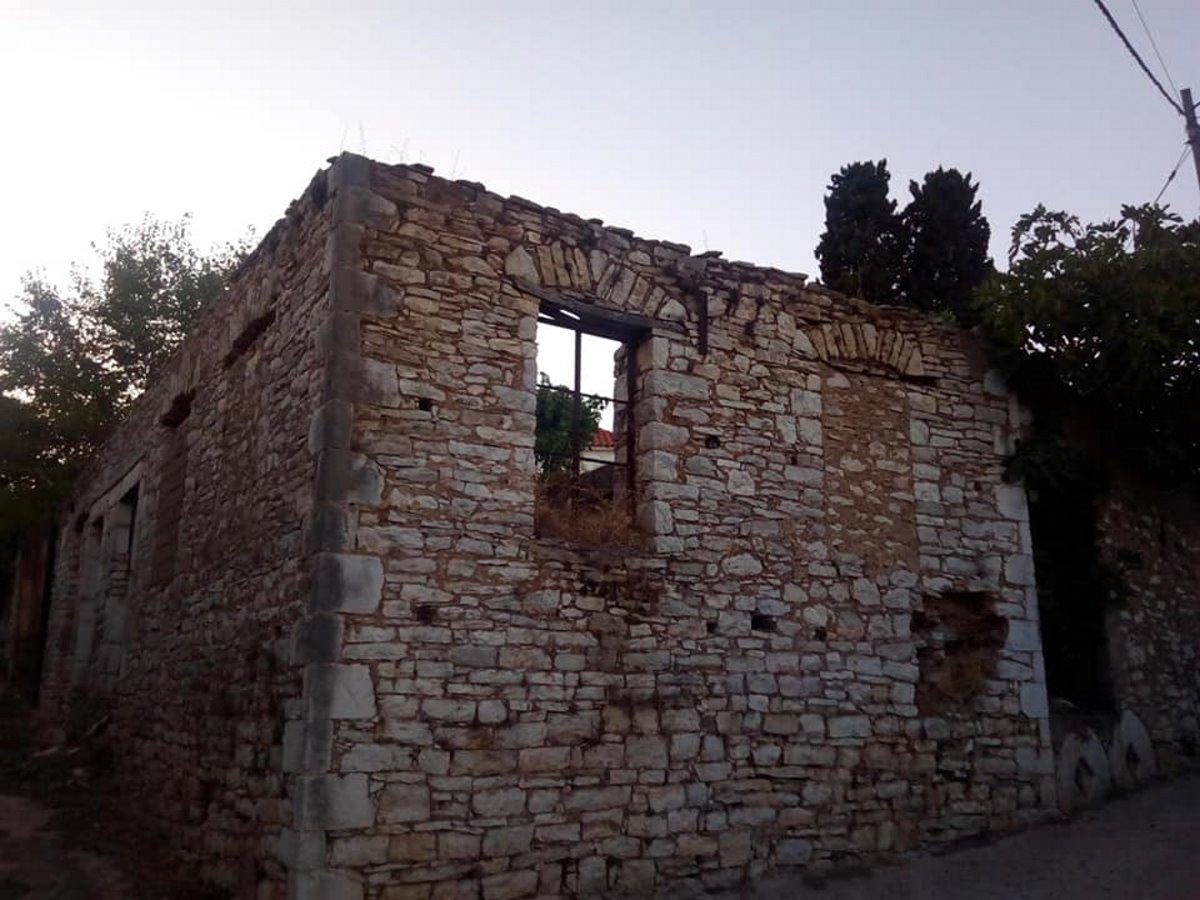 Μαγγανιακό χωριό μεσσηνίας πέτρινα σπίτια ερειπωμένα
