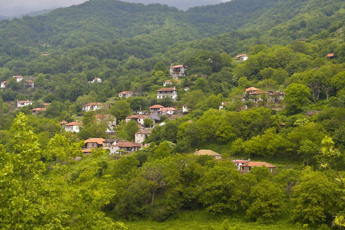 Γενική εικόνα της Μόρνας, του στοιχειωμένου χωριού