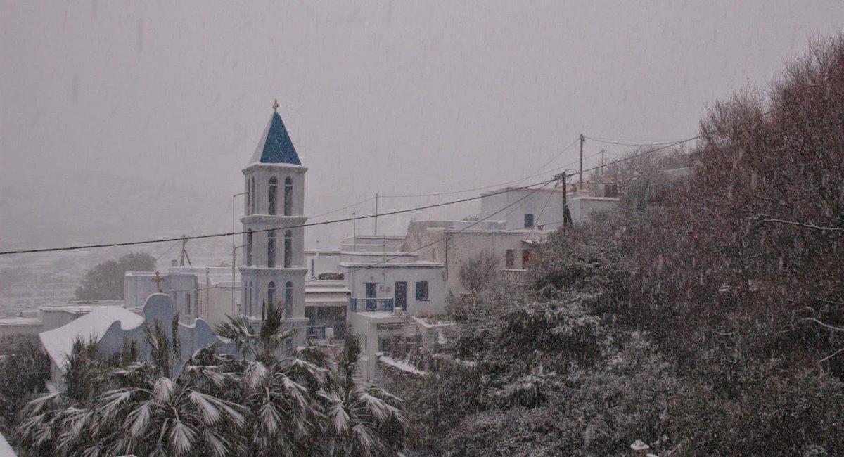 τήνος τον χειμώνα χιονισμένη
