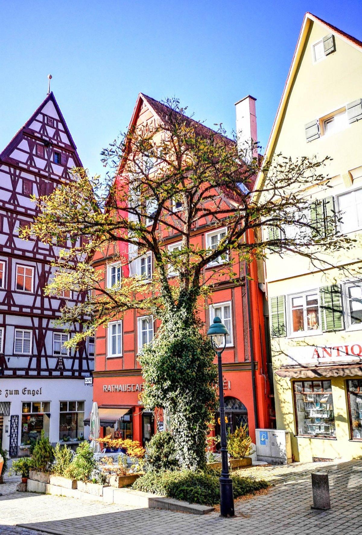 Γερμανία: Πόλη χτισμένη πάνω σε 72.000 τόνους διαμαντιών - Τα σπίτια έχουν αξία πολλών καρατίων! (βίντεο)