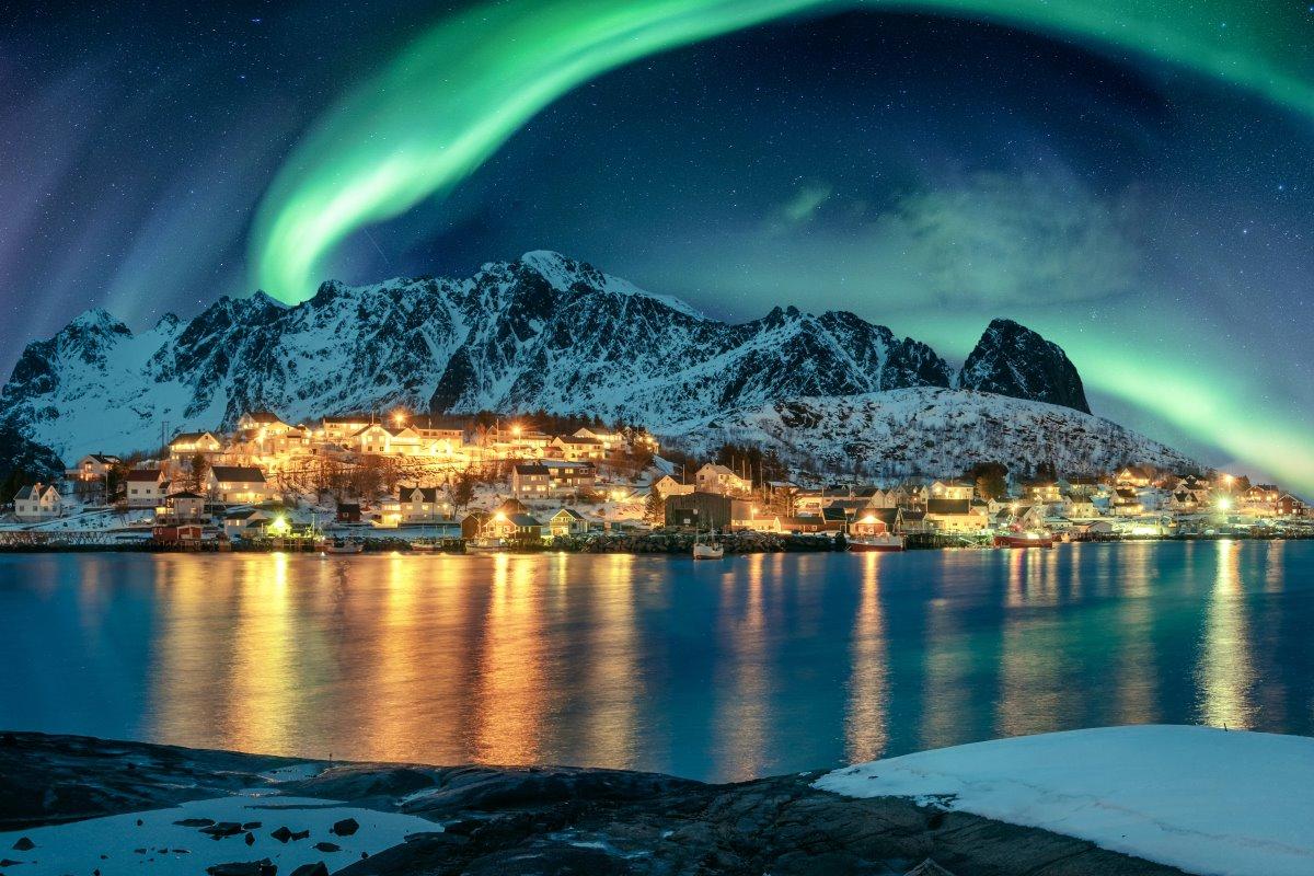 Reine, Νορβηγία, βόρειο σέλας