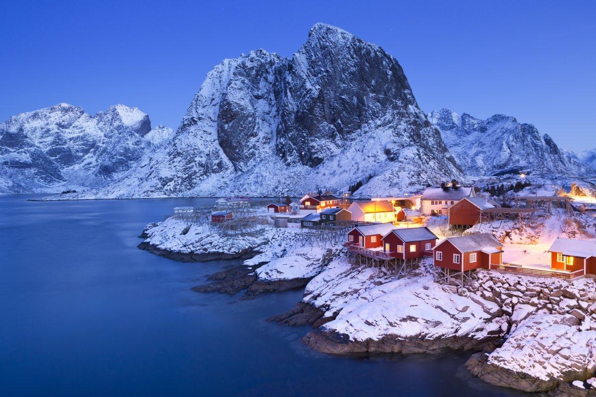 Reine, Νορβηγία, χιονισμένο