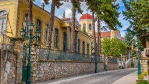 Γνωρίστε τον ορεινό οικισμό της Κοζάνης με τα επιβλητικά αρχοντικά χαρακτηριστικό δείγμα της αρχιτεκτονικής του 18ου αιώνα