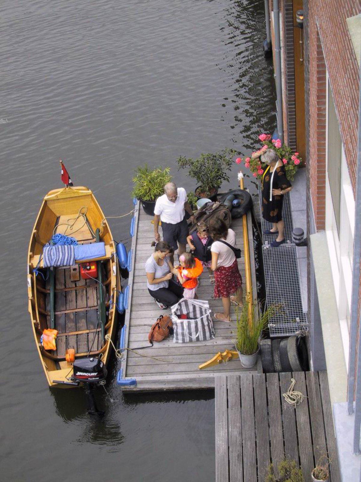 πλωτή γειτονιά Άμστερνταμ κάτοικοι μετακίνηση