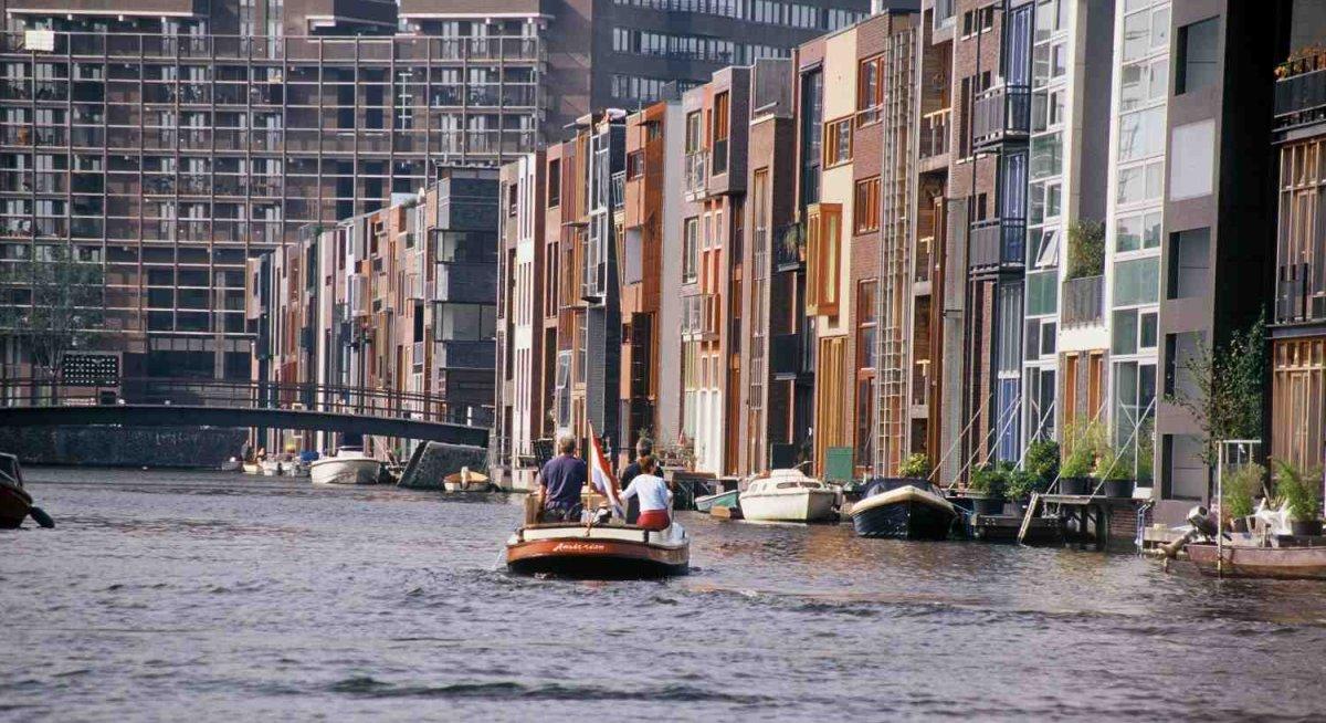 πλωτή γειτονιά Άμστερνταμ κανάλια