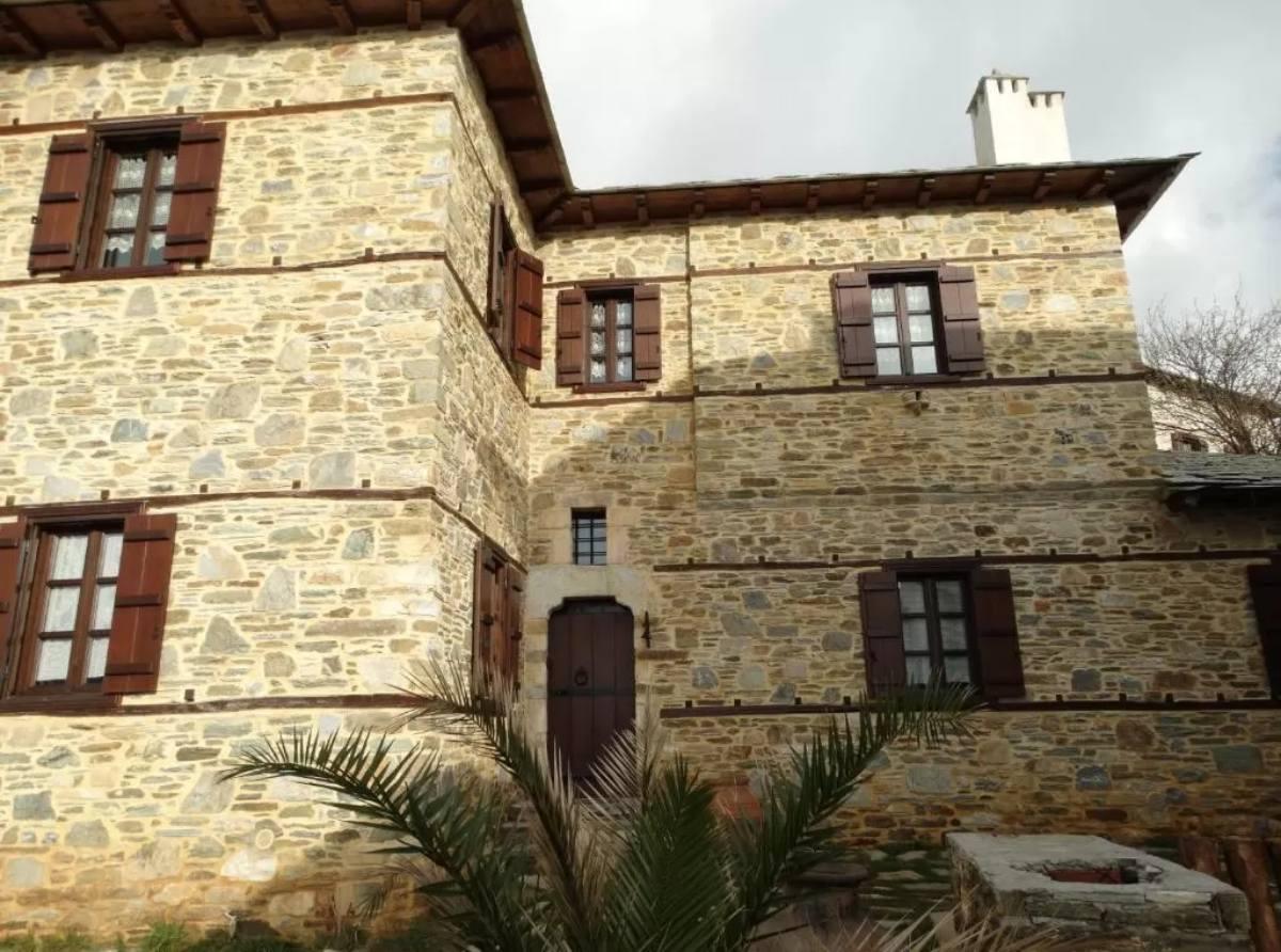Iliopetra suites Πήλιο, κτήριο
