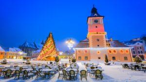 Τα ωραιότερα χριστουγεννιάτικα δέντρα στην Ευρώπη εν μέσω πανδημίας – Οι πόλεις φόρεσαν τα γιορτινά τους!