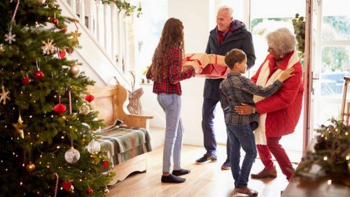 χριστούγεννα στο σπίτι εν μέσω πανδημίας