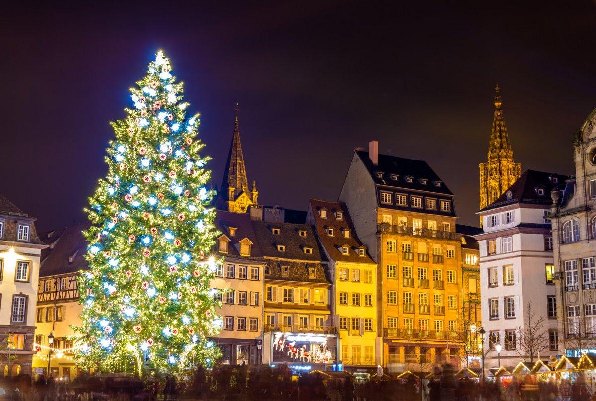 χριστουγεννιάτικο δέντρο στρασβούργο