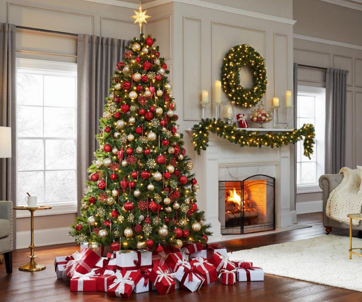 χριστουγεννιάτικο δέντρο συμβολισμός στολισμού