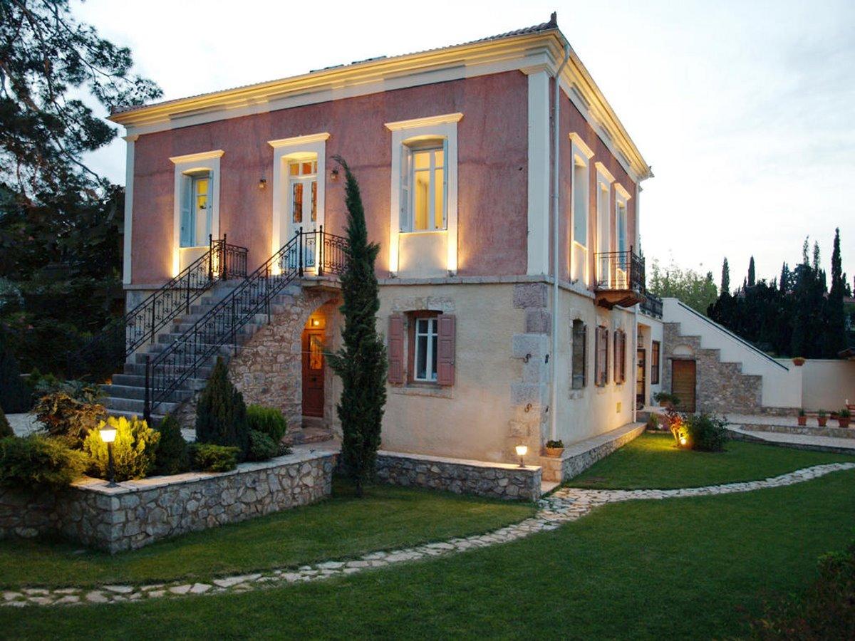 Αμφίκλεια hot χωριό κοντά στην Αθήνα