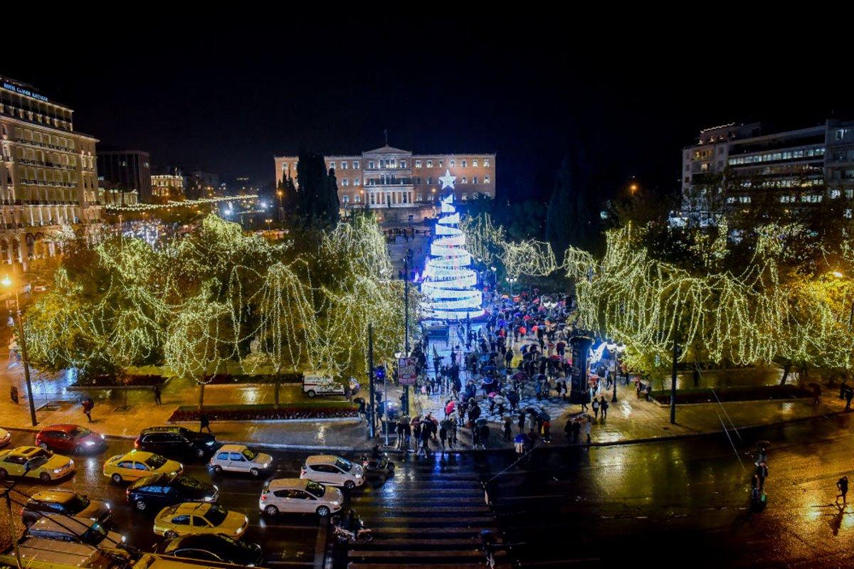 Χριστουγεννιάτικο δέντρο αθήνα 2018