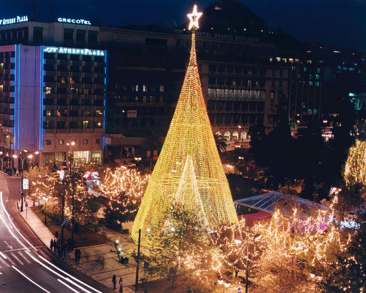 Χριστουγεννιάτικο δέντρο αθήνα 2002