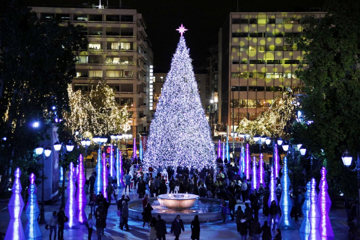 Χριστουγεννιάτικο δέντρο αθήνα 2010