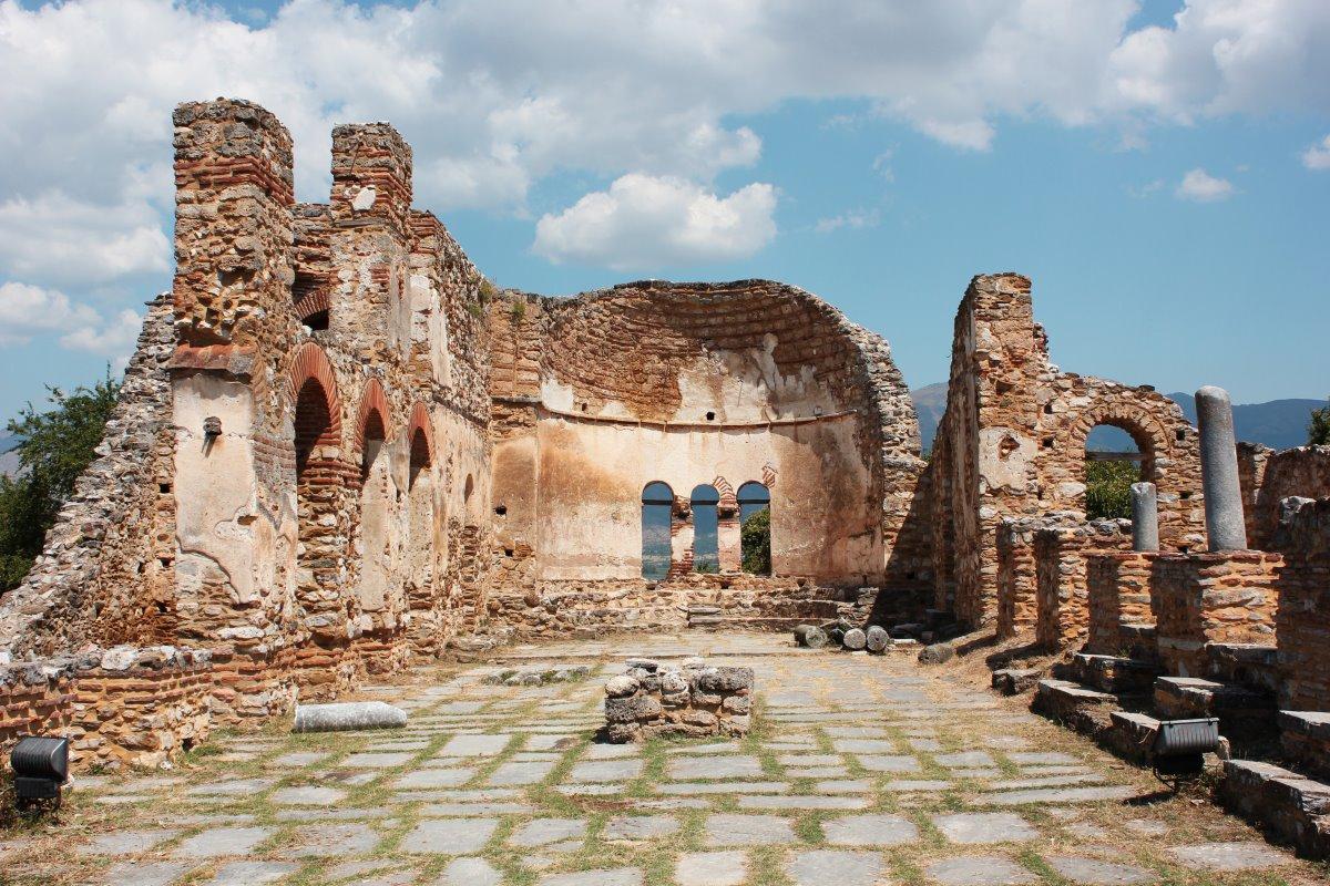 Η παλιά Βυζαντινή εκκλησία του Άγιου Αχίλλειου