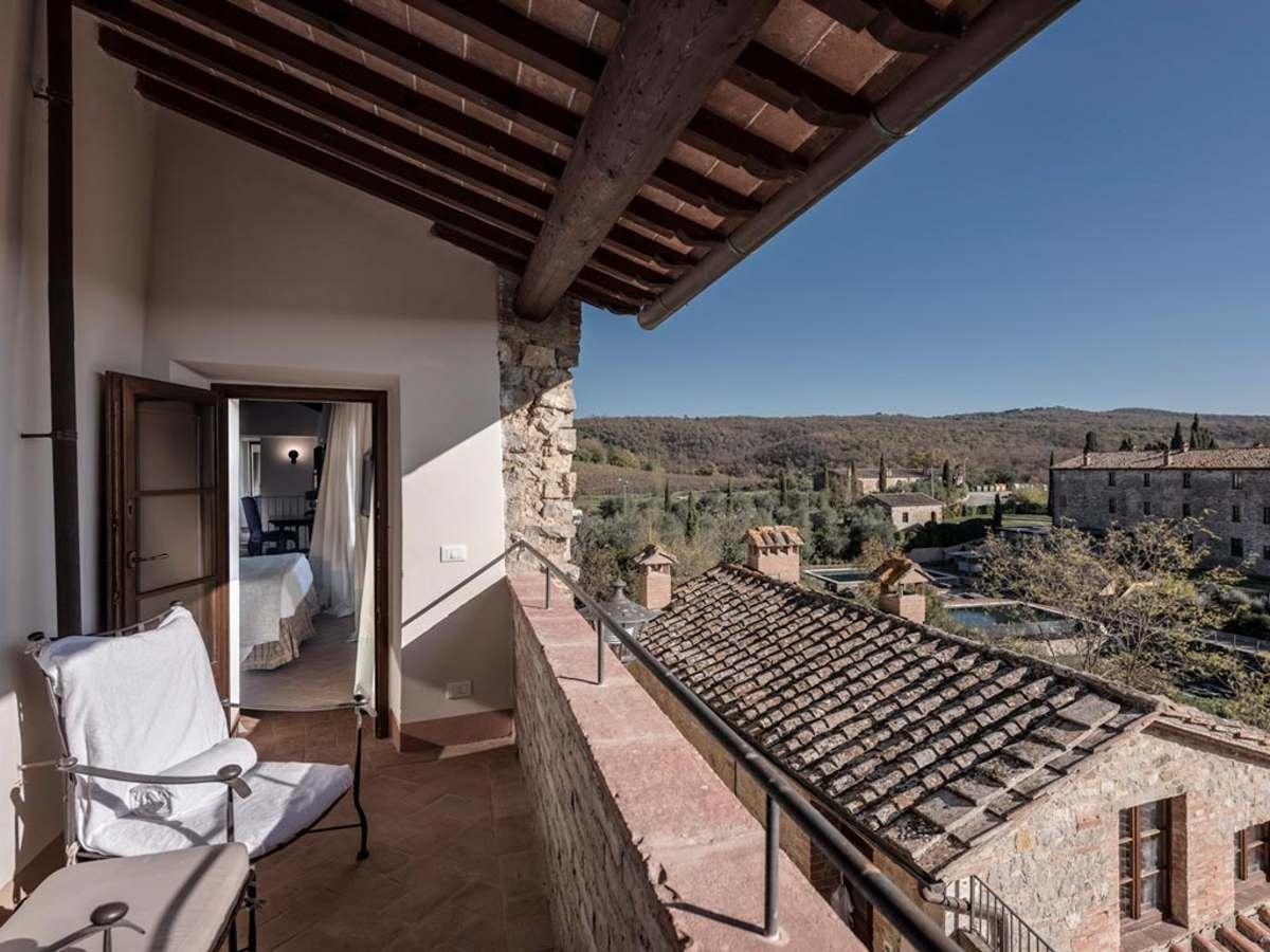 Castel Monastero θέα