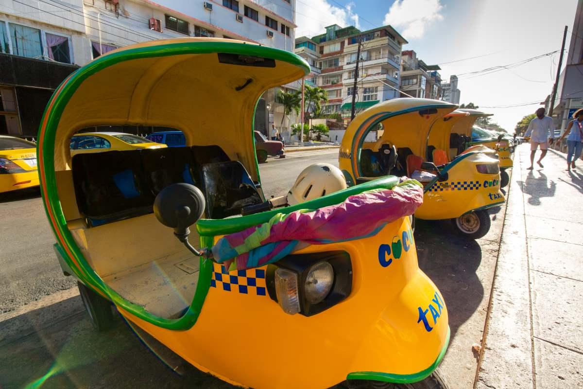 Ταξί τρίκυκλα στην Αβάνα