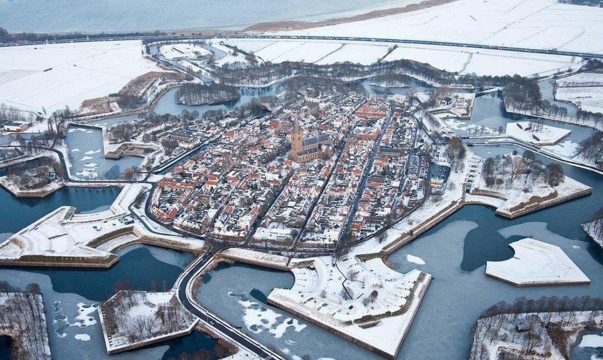 Naarden Ολλανδία χιονισμένη