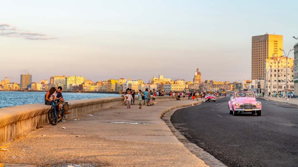 ο παραλιακός δρόμος El Malecon, Αβάνα