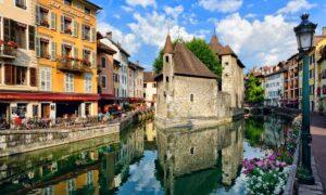 Ανεσί: Γνωρίστε «το μαργαριτάρι των Γαλλικών Άλπεων»