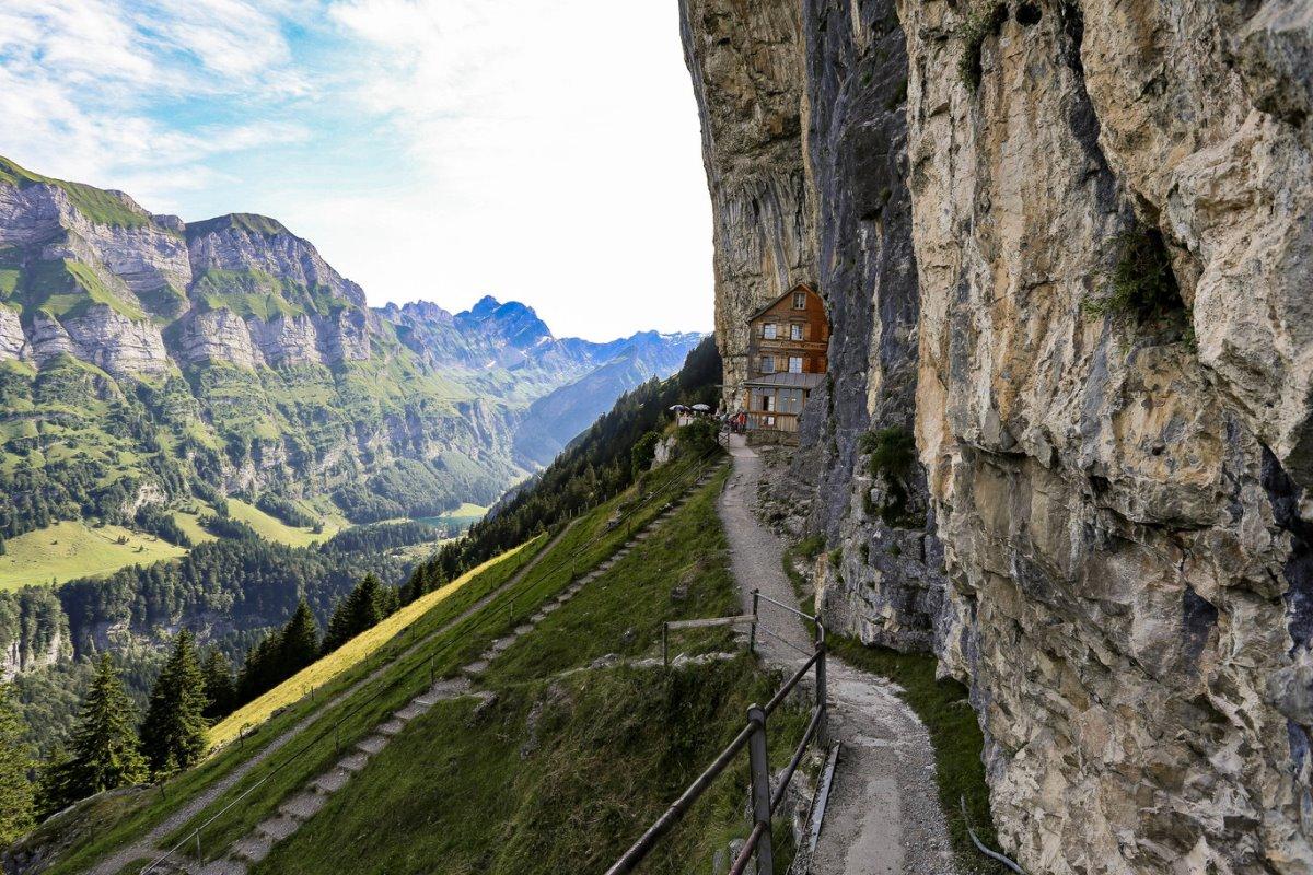 ξενοδοχείο Aescher Ελβετία ξύλινο σαλέ με φανταστική θέα