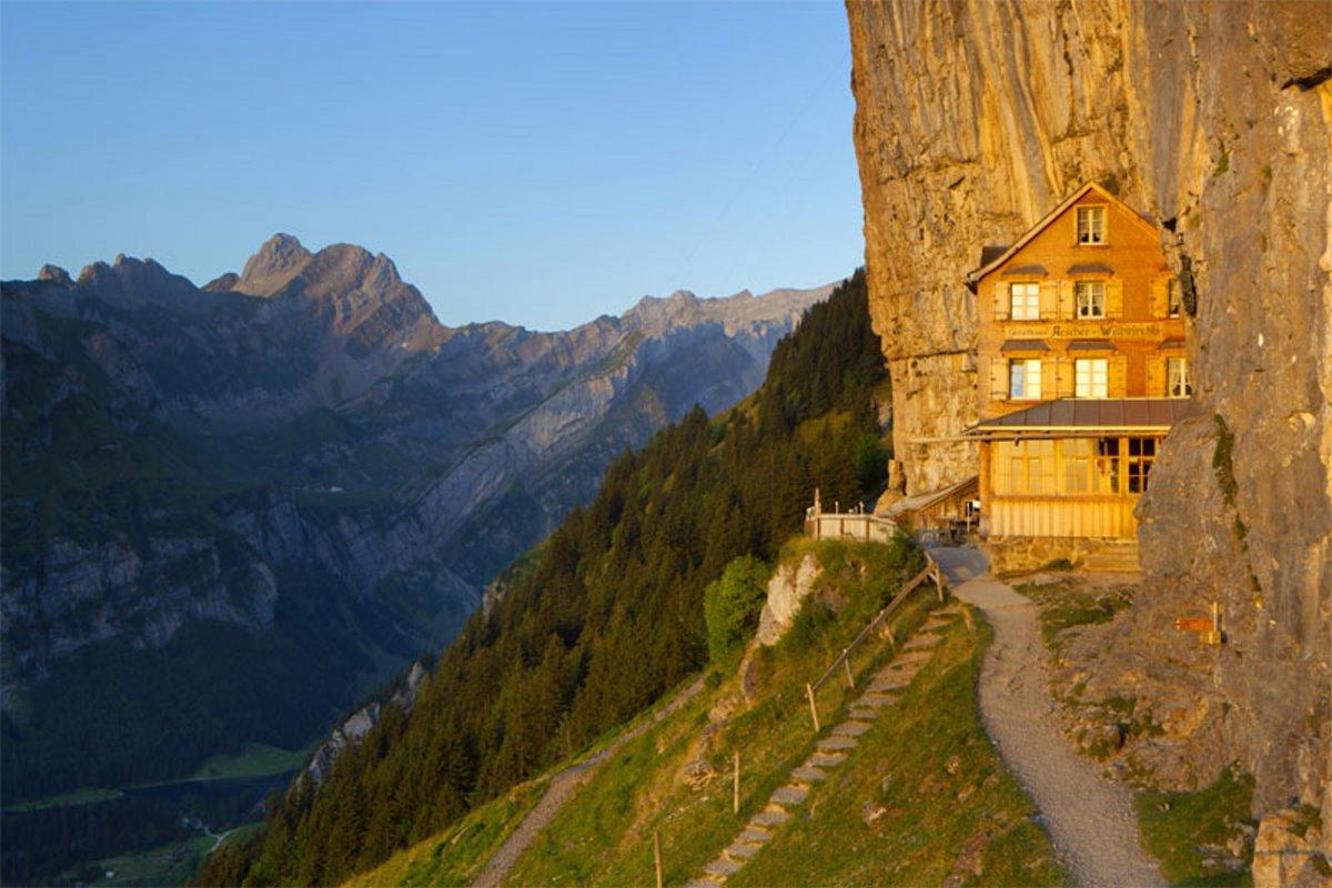ξενοδοχείο Aescher Ελβετία κρέμεται στα βράχια