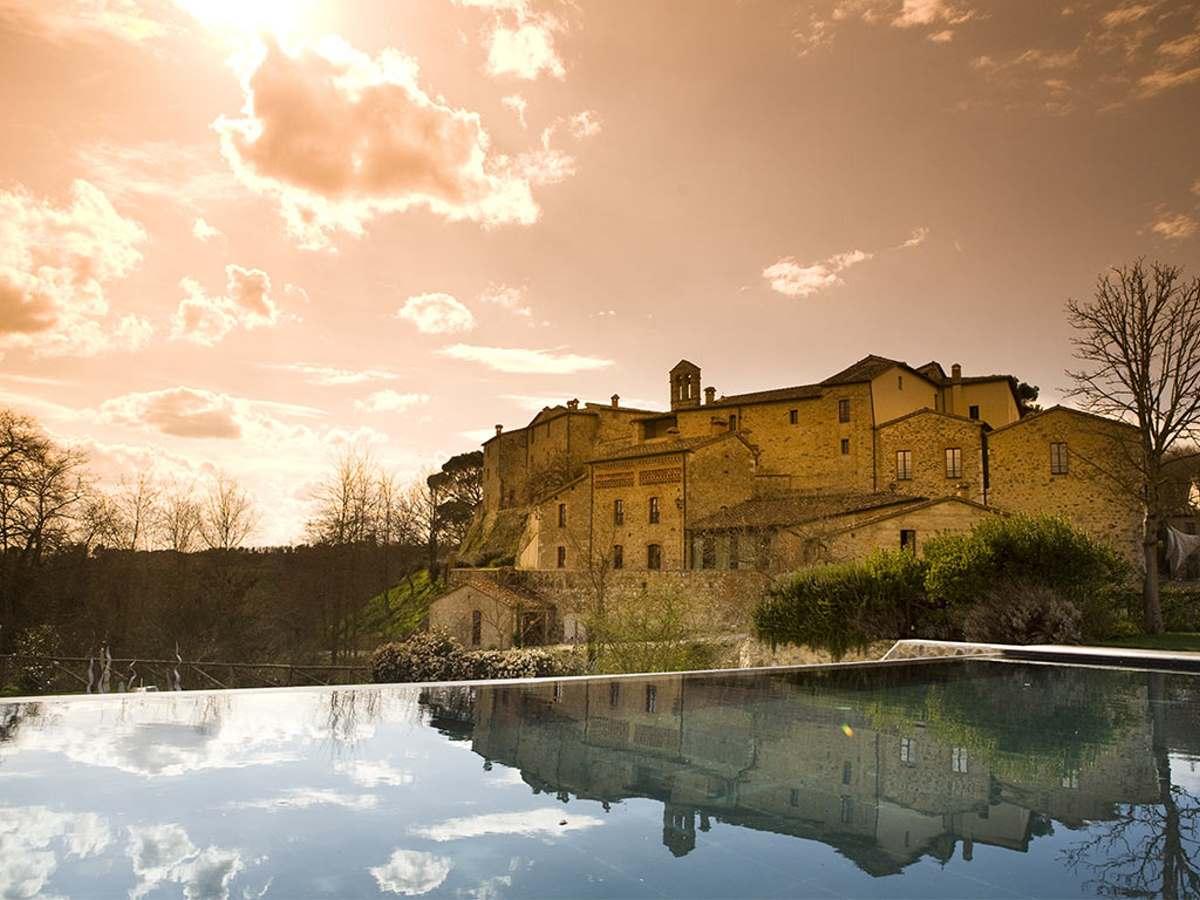 Castel Monastero γενική