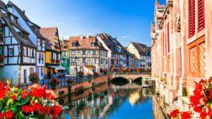 Κολμάρ: Γνωρίστε τη «Μικρή Βενετία» της Γαλλίας- Η πόλη που μοιάζει σαν να έχει βγει από παραμύθι!