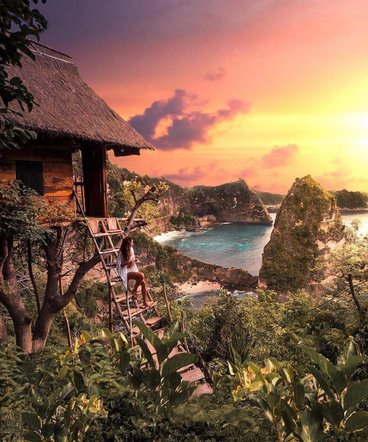 Δεντρόσπιτο Ινδονησία θέα και ηλιοβασίλεμα