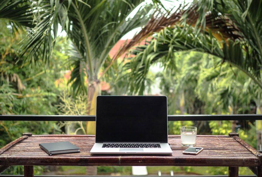 Digital nomads τάση στο ταξίδι