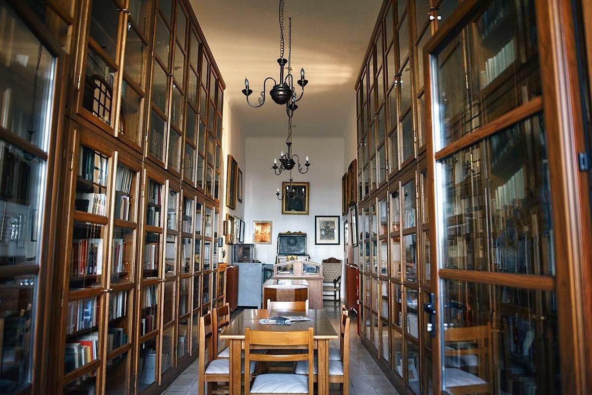 Η αρχαιότερη βιβλιοθήκη στην Ελλάδα είναι στην πελοπόννησο