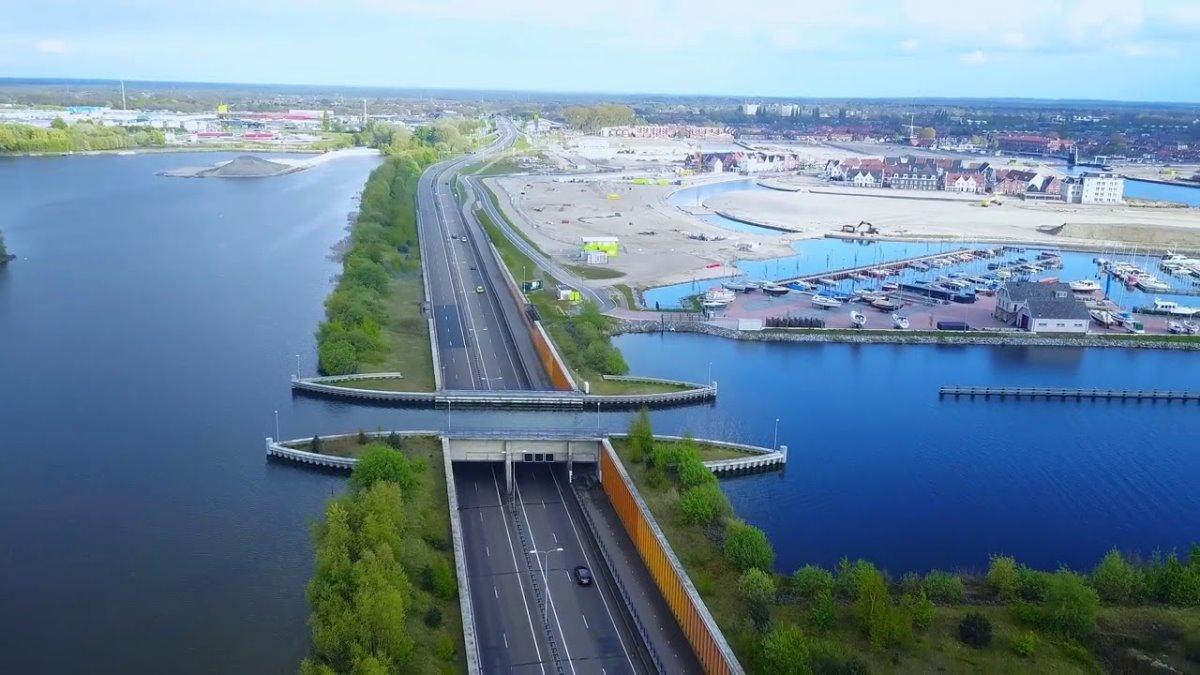 γέφυρα ολλανδία κάτω από το νερό σήραγγα