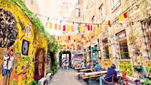 """Ανακαλύψαμε 11 """"ψαγμένες"""" γειτονιές στην Ευρώπη – Ποια είναι η βραβευμένη ελληνική;"""