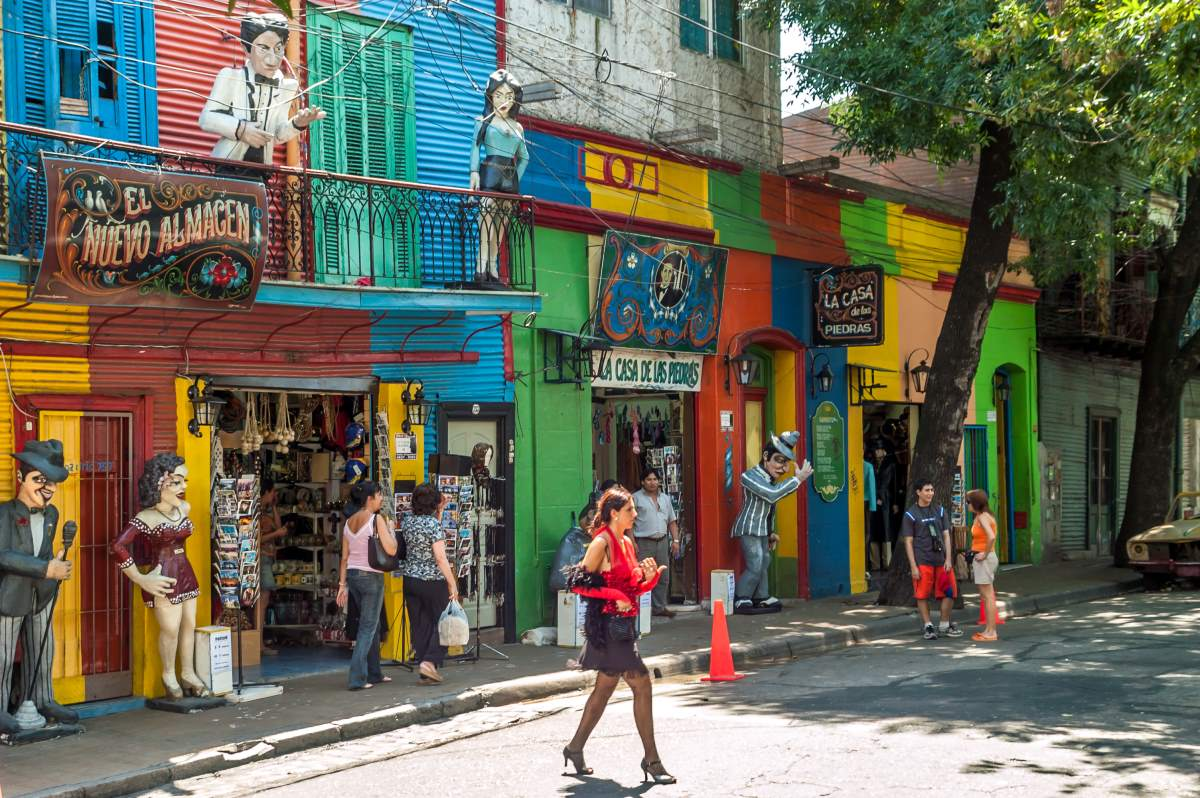 La Boca, μαγαζάκια στη  γειτονιά του Μπουένος Άιρες