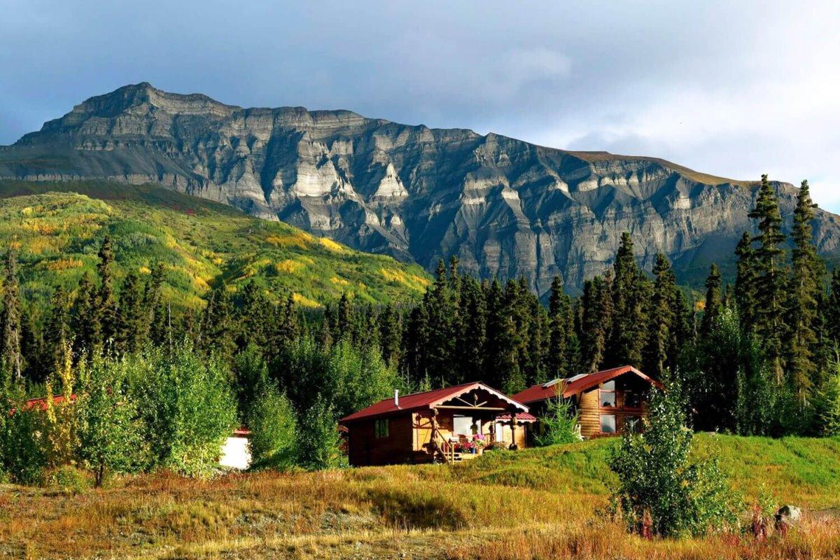 Το Ultima Thule Lodge στην Αλάσκα μέσα στο δάσος