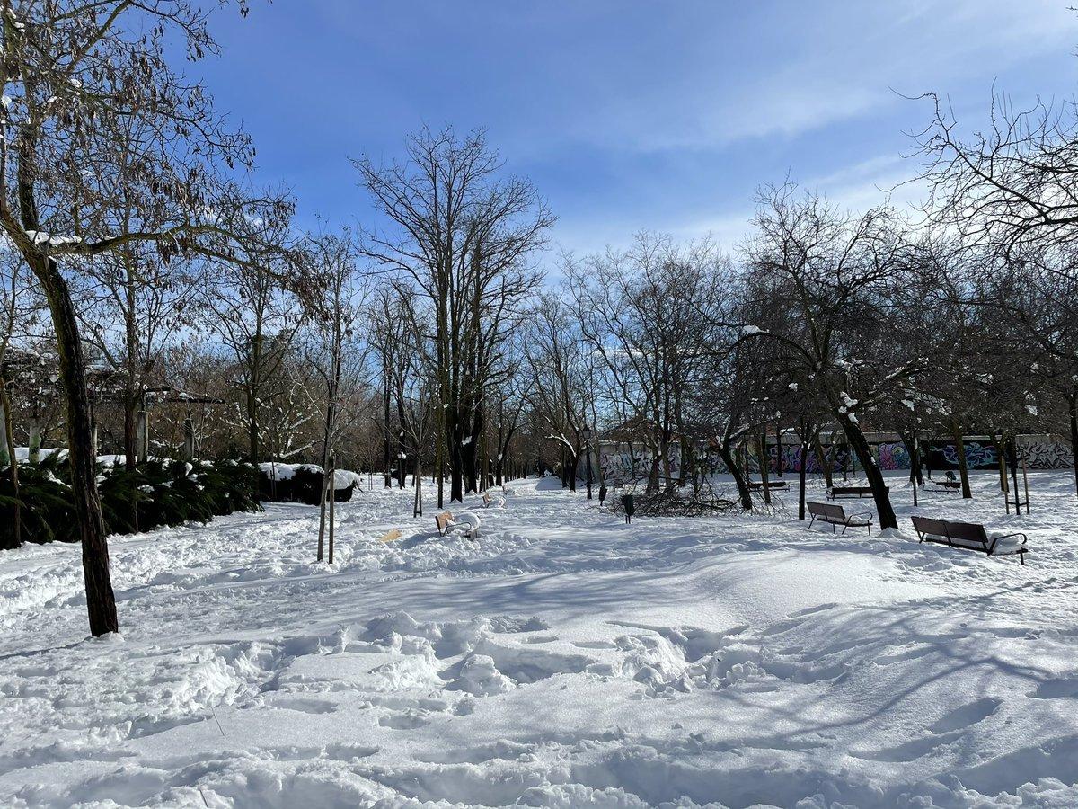 Χιονισμένο πάρκο στη Μαδρίτη