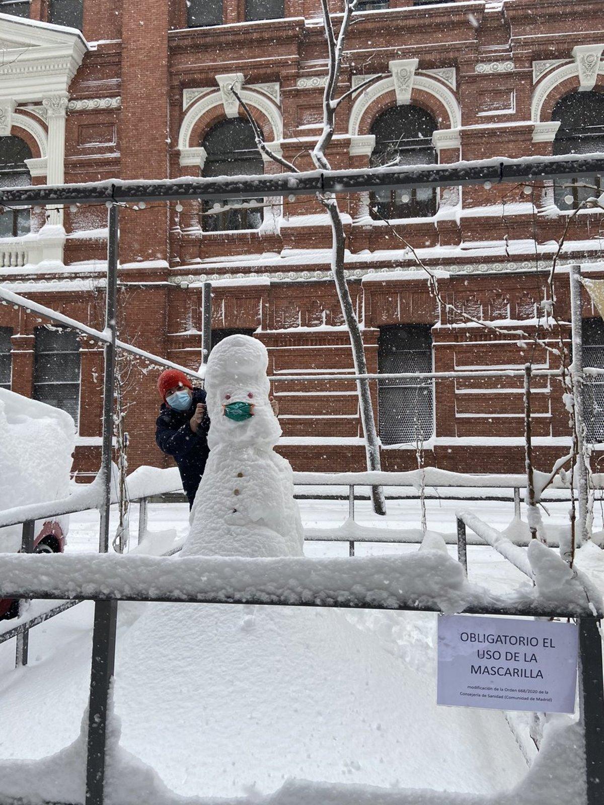 Χιονισμένη Μαδρίτη και ασταμάτητη χιονόπτωση