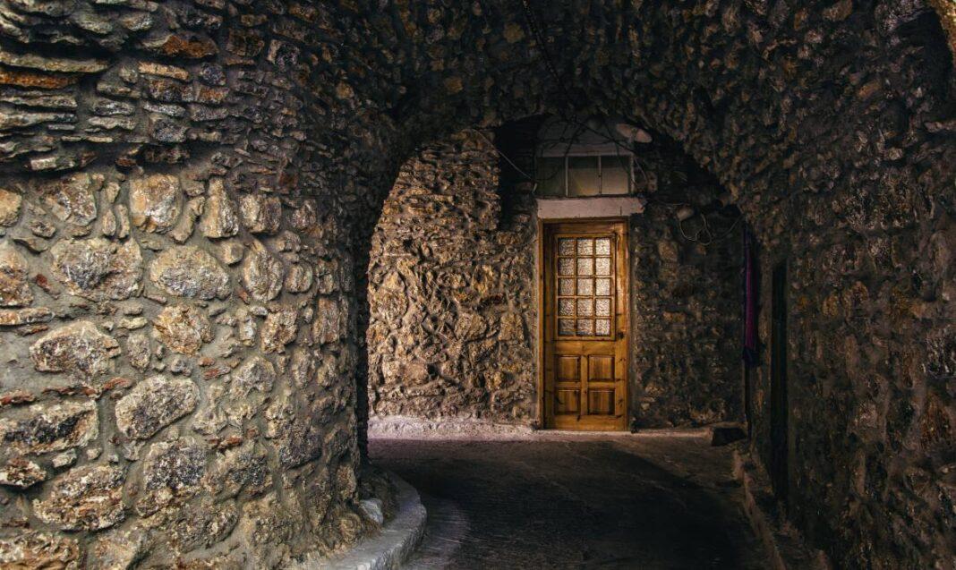 Μεστά, το χωριό της Χίου που μοιάζει με λαβύρινθο