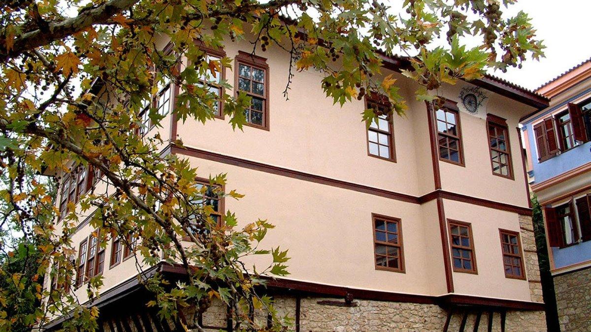 Σπίτια παρελθόντος στην ατμοσφαιρική Μπαρμπούτα