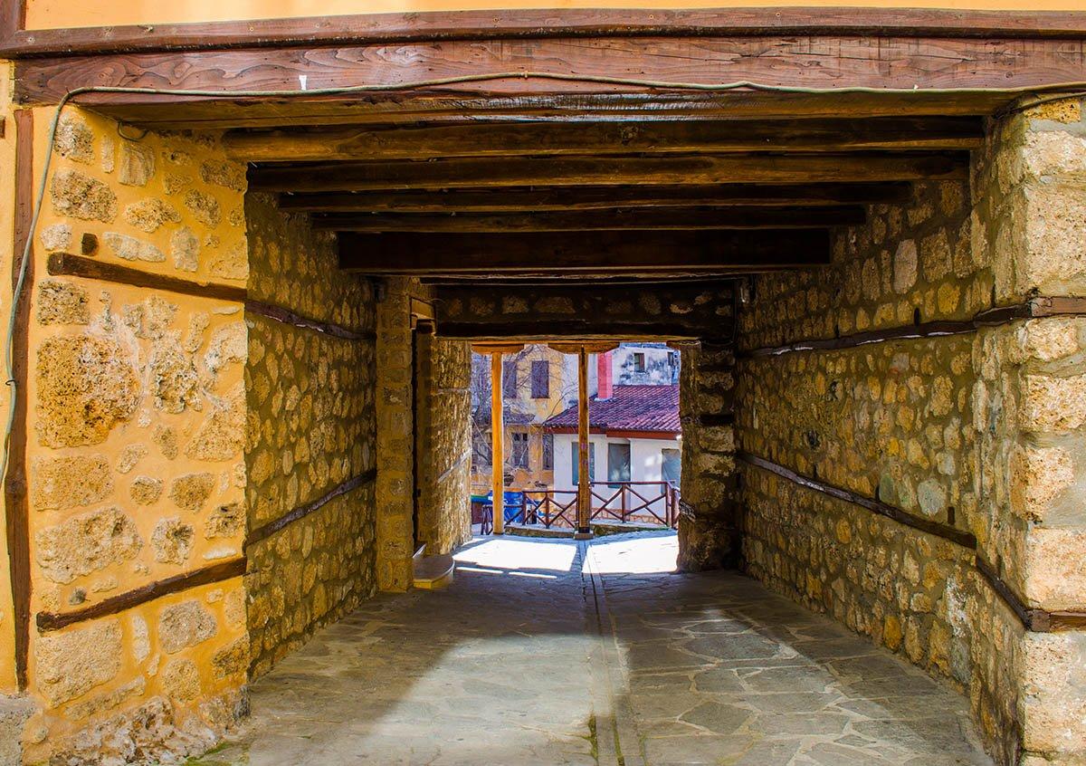 Πέτρινο σοκάκι στην παλιά Πόλη Βέροια