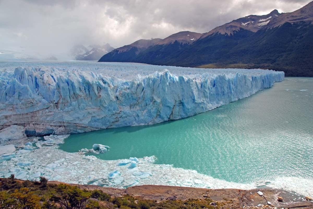 Πανοραμική θέα στον παγετώνα Perito Moreno