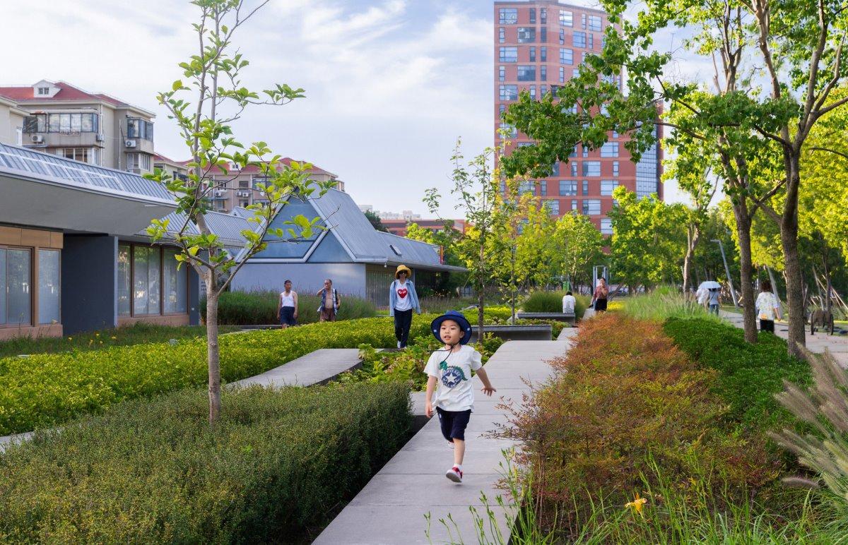 Βόλτες στο πάρκο της Σαγκάης στη θέση του αεροδρομίου