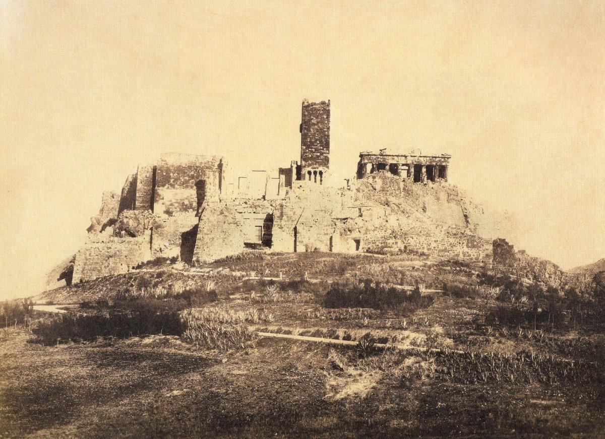 Πύργος Ακρόπολης κατεδαφίστηκε
