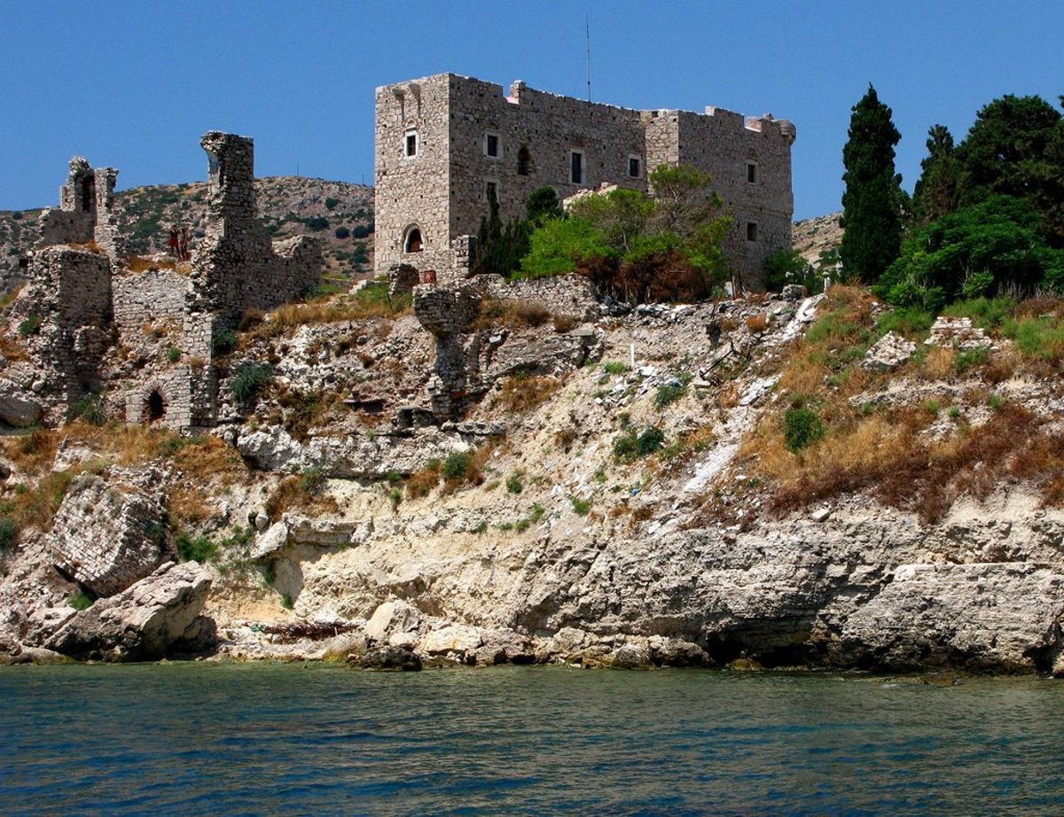 Αρχαία στο Πυθαγόρειο παλιά ονομασία Τηγάνι