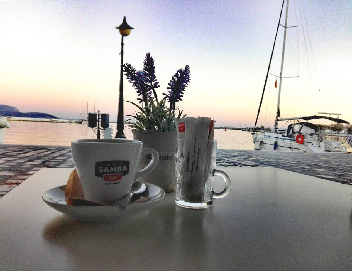 Καφέ στο Πυθαγόρειο