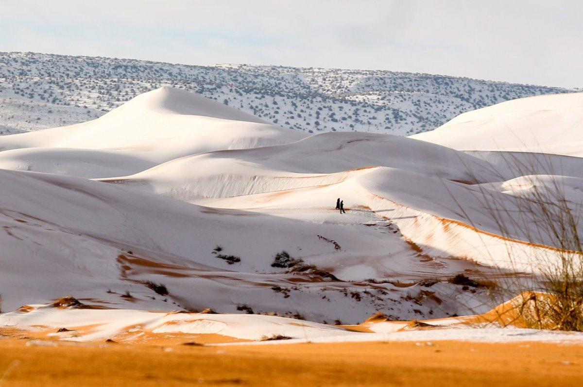 Αλγερική Σαχάρα καλυμένη με χιόνια