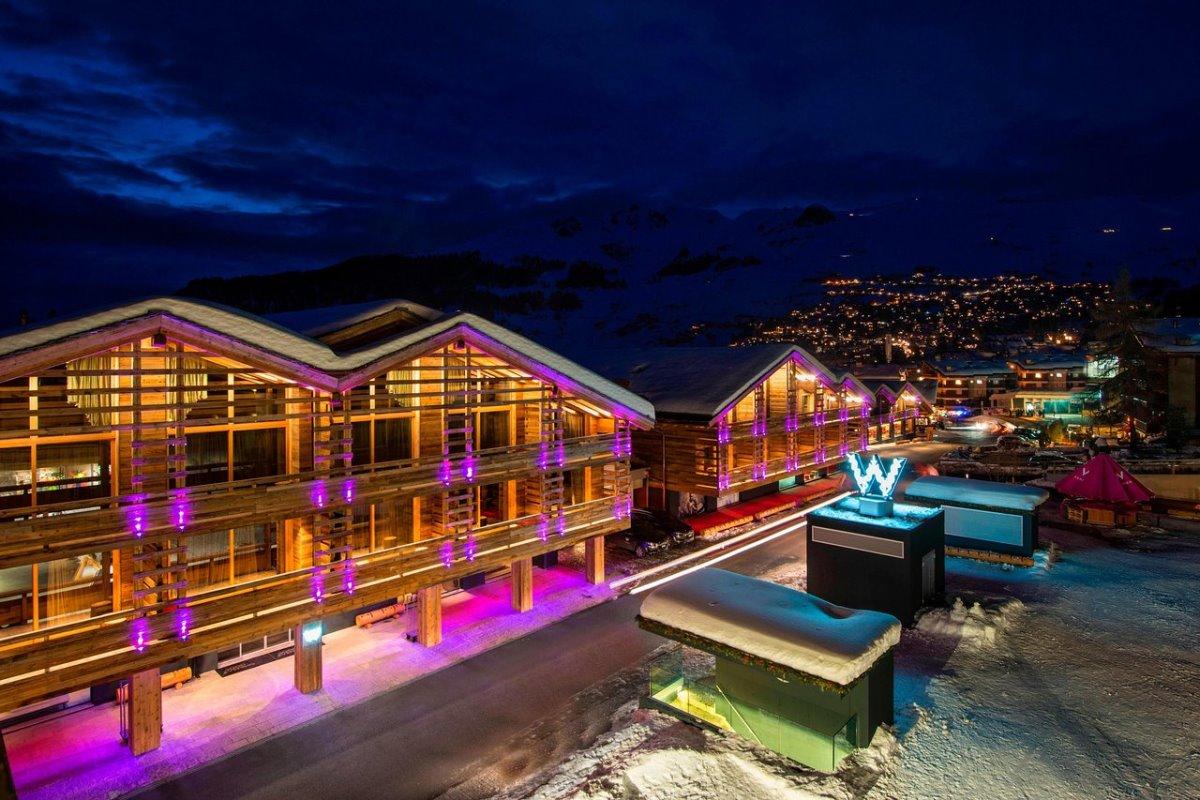 Το Werbier καλύτερο ski hotel Ελβετία τη νύχτα