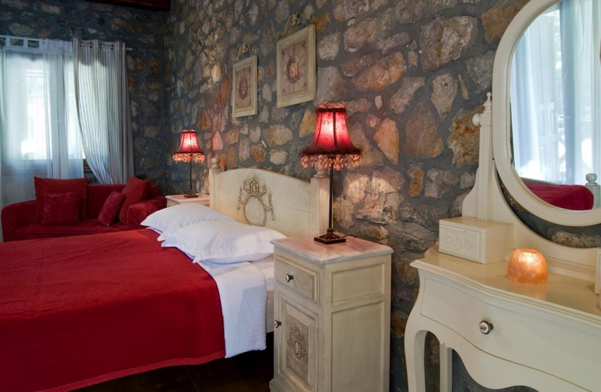 Guest House Alexiou ορεινή κορινθία δεντρόσπιτο δωμάτιο